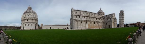 Piazza del Duomo in Pisa